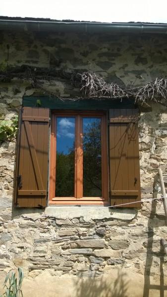 Fenêtre en bois exotique